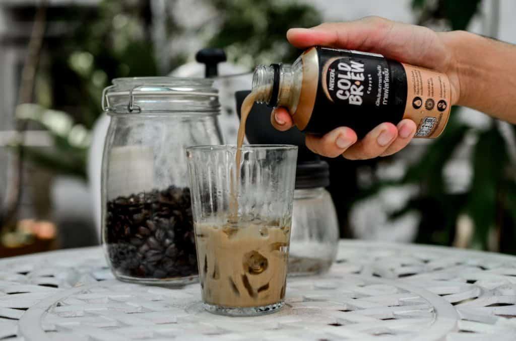 เท cold brew nescafe Craft latte