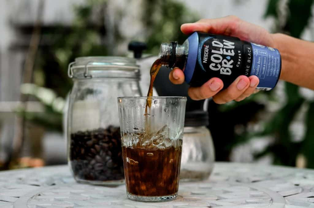 เท Pure black cold brew nescafe